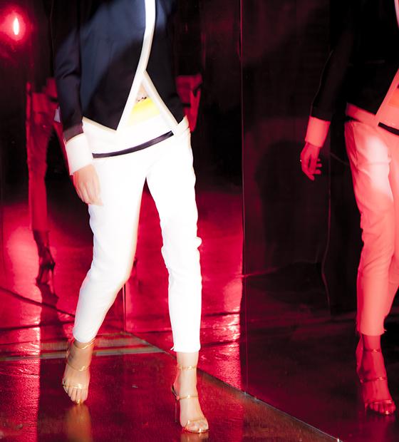 BLOG white pants
