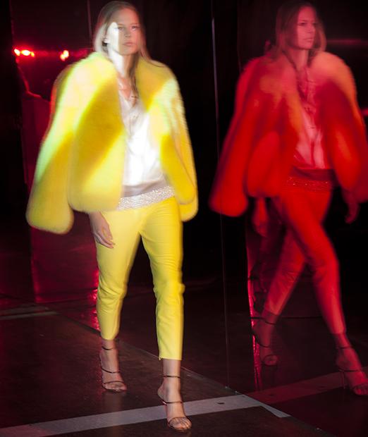 Blog yellow silhouette