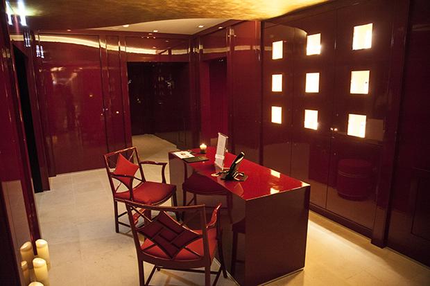 red desk1